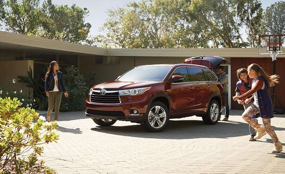 According to Consumer Reports, the 2015 Toyota Highlander