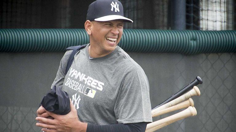 New York Yankees third baseman Alex Rodriguez leaves