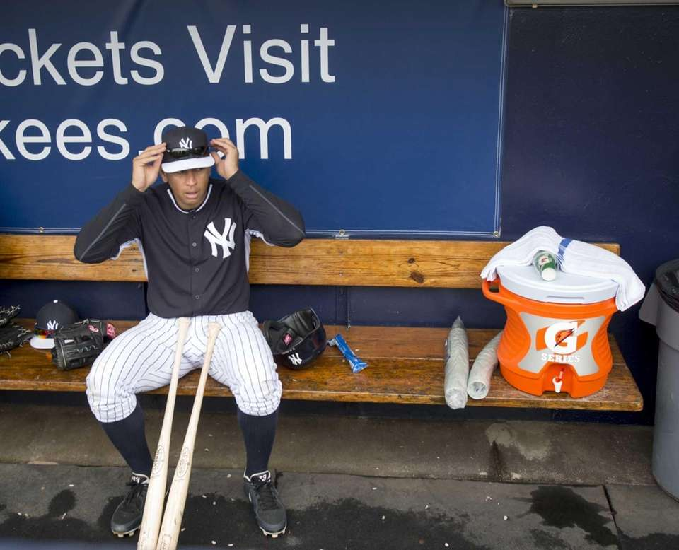 New York Yankees third baseman Alex Rodriguez gets