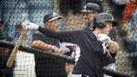 New York Yankees' second baseman Stephen Drew takes